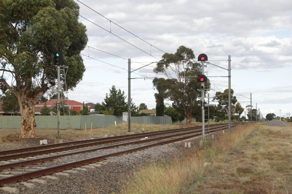 Fixed red signal SDM718 for up trains on the down track at Watergardens