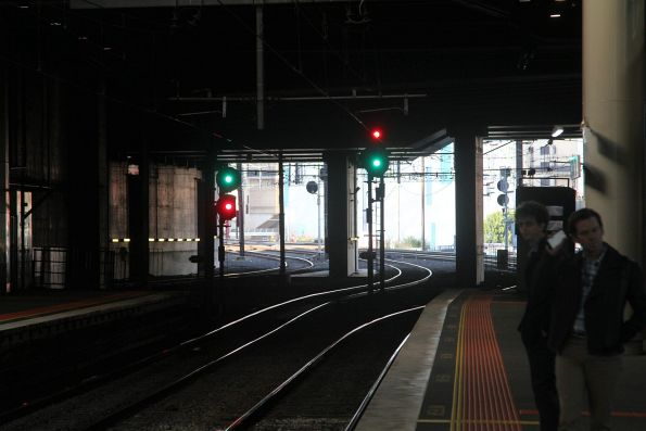 'Clear normal speed' and 'clear medium speed' aspects at the up end of Southern Cross Station