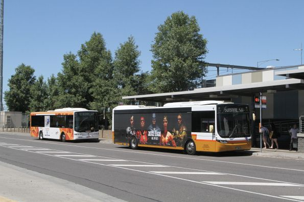 Sita bus #137 BS01AT on route 420 beside a CDC Melbourne bus at Watergardens station