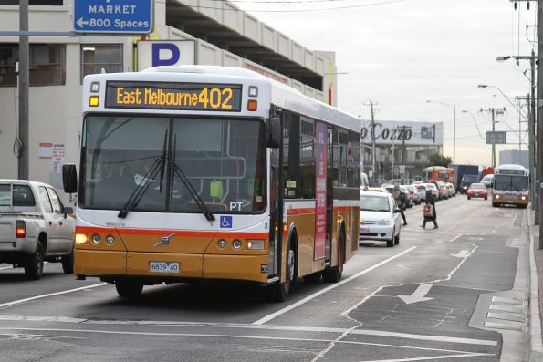 Sita bus #25 6839AO on route 402 at Footscray station