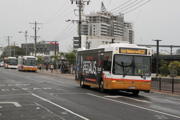 Sita bus #118 8466AO on route 402 at Footscray station