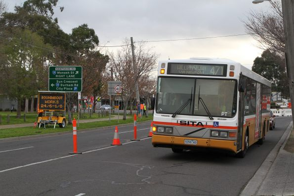 Sita bus #56 5356AO on route 471 detours around roadwork on Hampshire Road, Sunshine
