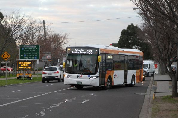 Sita bus #148 BS04QV on route 456 detours around roadwork on Hampshire Road, Sunshine