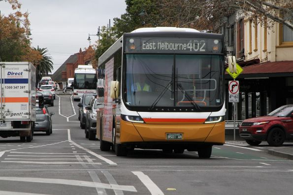 Sita bus BS01AR heads east on route 402 at Kensington
