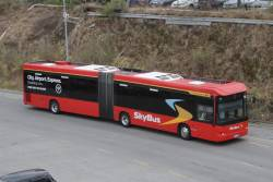 SkyBus articulated bus #85 9026AO arrives at Southern Cross