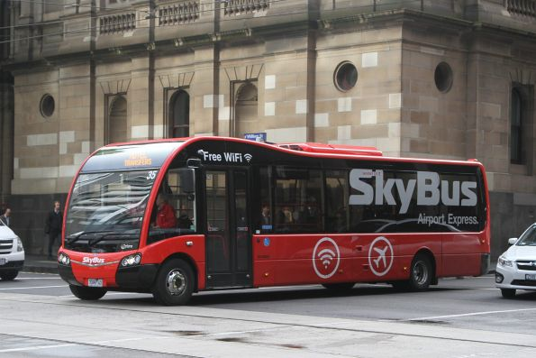 SkyBus hotel shuttle #35 7099AO at Little Collins and William Street