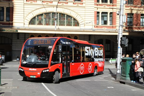 SkyBus Melbourne #35 BS04NK on a hotel shuttle at Flinders and Elizabeth Street