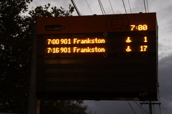 No train information displayed on the SmartBus PIDS at Blackburn station