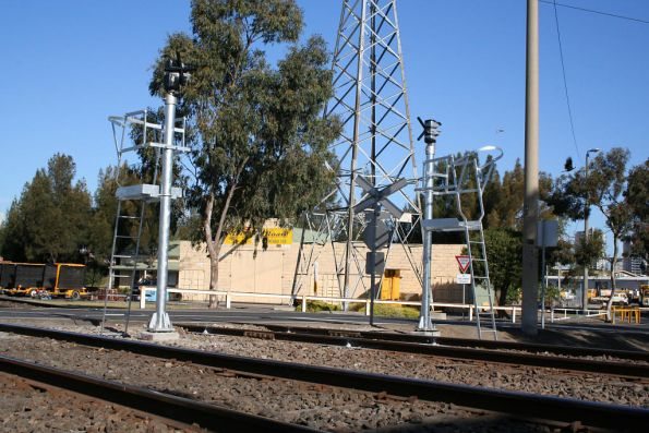 New signals not yet in use at Reversing Loop Junction, for trains arriving and departing South Dynon