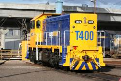 T400 in fresh PN livery beside the BG turntable at South Dynon