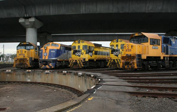 XR555, S300, J103, J102 and XR559 around the South Dynon SG turntable