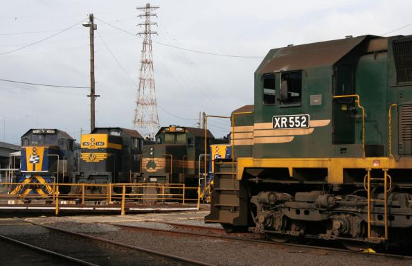 XR552, T374, T357 and T377 at the South Dynon broad gauge turntable