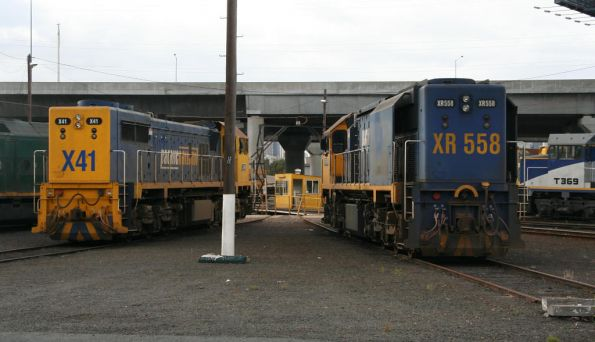 Different treatment of the PN livery at the long end, X41 and XR558