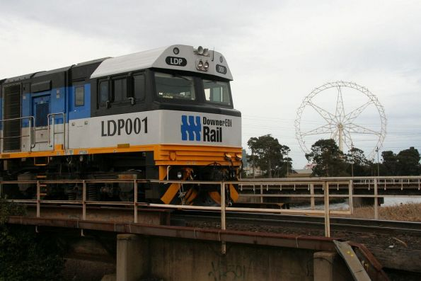 LDP001 at South Dynon with the giant white elephant / ferris wheel
