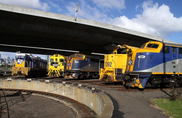 S311, T392, S300, J102 and TL154 stabled at the South Dynon SG turntable