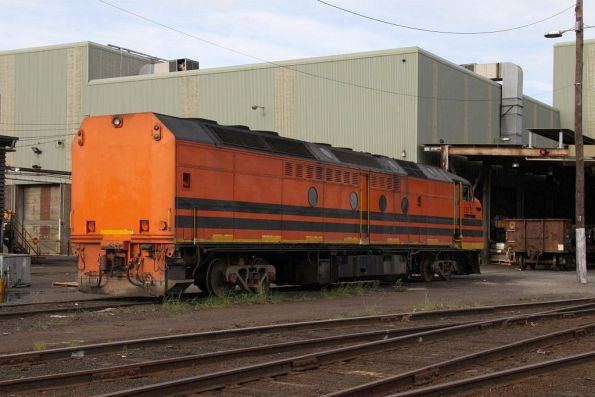 CLF2 sits on freight bogies out the back of South Dynon
