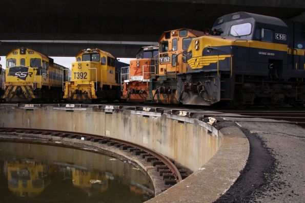 C501, Y152, T386, T392 and J103 around the SG turntable at South Dynon