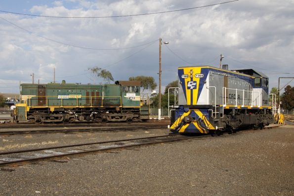 T369 and Y142 stabled around the BG turntable at South Dynon