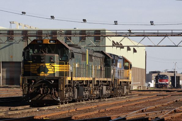 X43, X37 and XR557 stabled at South Dynon, N458 in the background