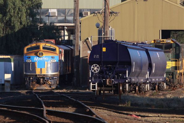 B76 stabled at South Dynon, also with Metro decals on the nose