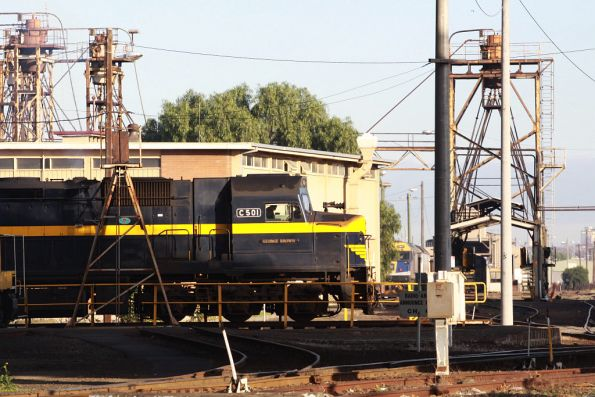 C501 goes for a spin on the standard gauge turntable at South Dynon