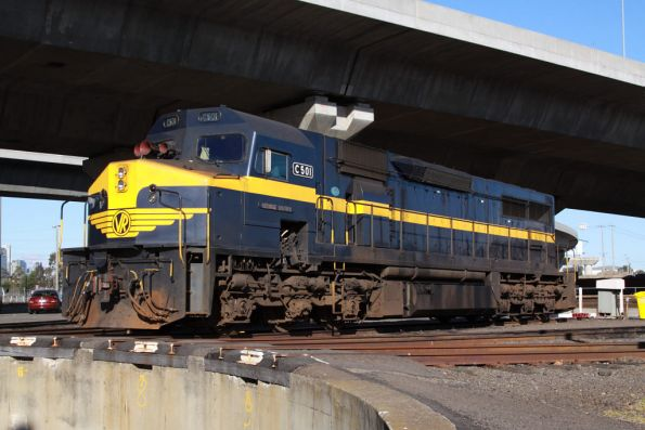 C501 beside the SG turntable at South Dynon