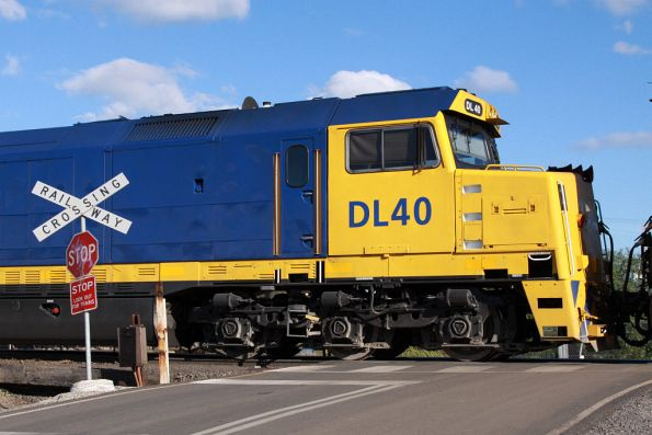 DL40 at South Dynon, repainted by Adelaide Spray Painters a month or so ago