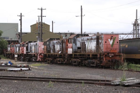 Five of the rotten road Y classes in the sand track at South Dynon