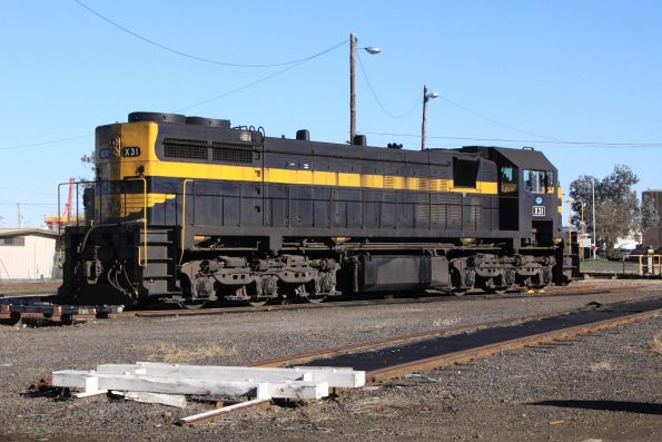 X31 stabled beside the BG turntable at South Dynon