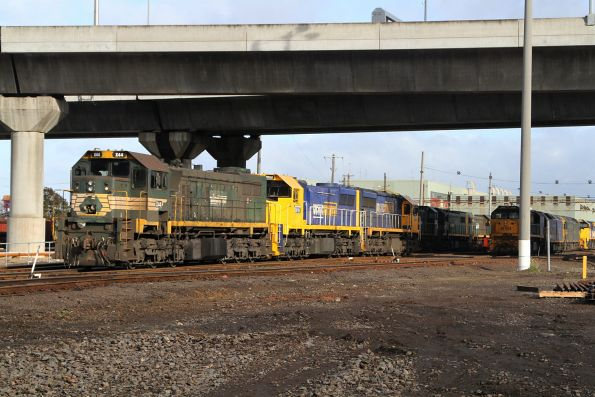 X44 with XR551 and XR557 shunting at South Dynon