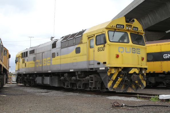Qube 8030 stabled beside the standard gauge turntable at South Dynon