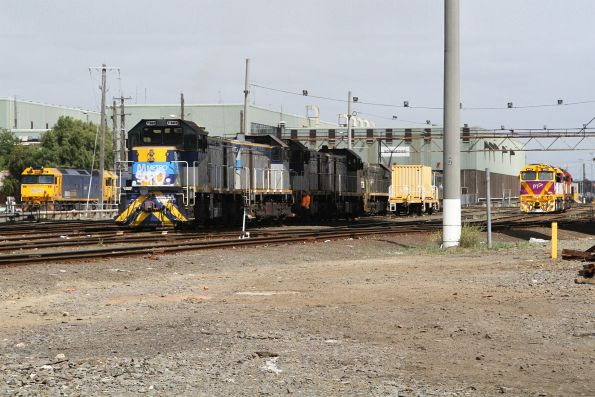 T369 leading another three Metro livered T classes at South Dynon
