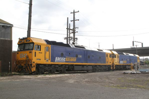 G541 and G531 stabled at South Dynon turntable