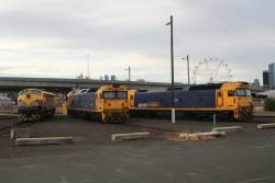 SSR B75 alongside Pacific National BL29 and G541 at South Dynon