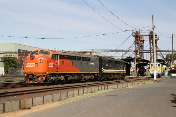 Southern Shorthaul Railroad locomotives S302 and S312 shunt over to the South Dynon fuel point