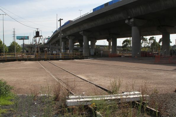 Standard gauge turntable roads paved over at South Dynon