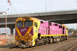N475 departs South Dynon light engine