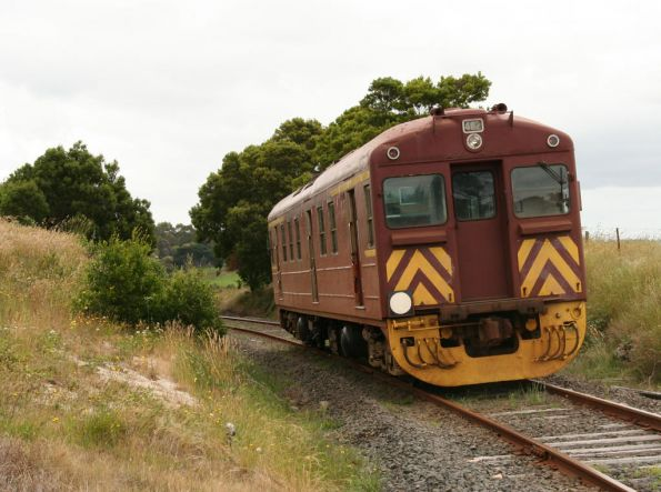 Leaving the Korumburra-Bena Road level crossing