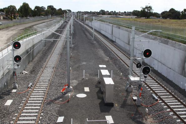 Lit signals at the up end of South Morang station