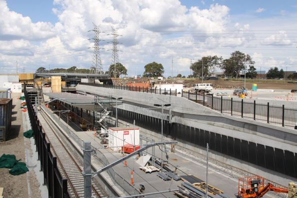 Overview of the new station at South Morang from the up end
