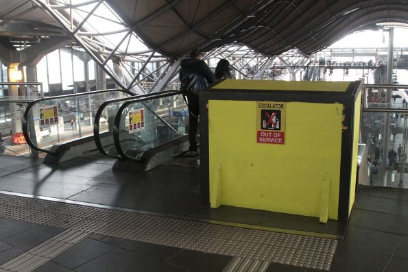 Escalator to Southern Cross platform 9/10 is out of service