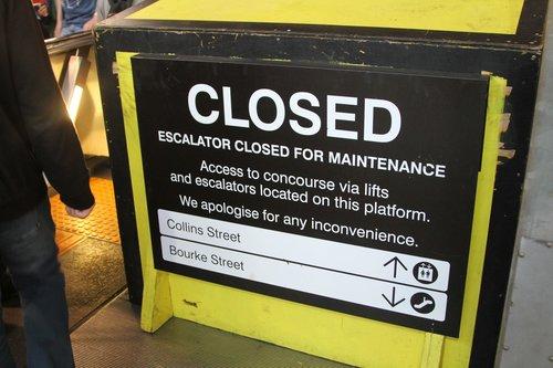 Failed escalator at Southern Cross platform 9 and 10