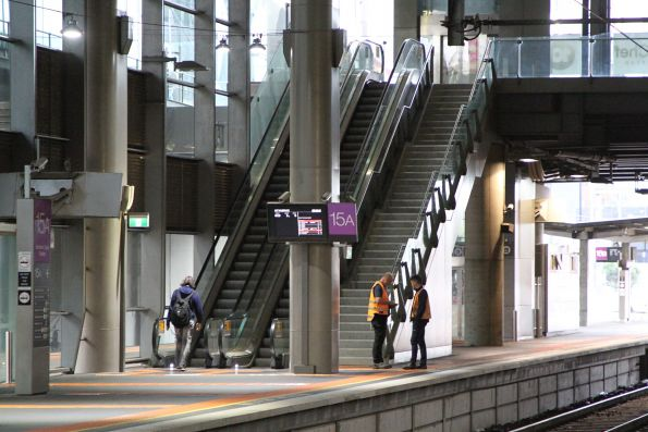 Escalator to Southern Cross platform 15 and 16 finally fixed