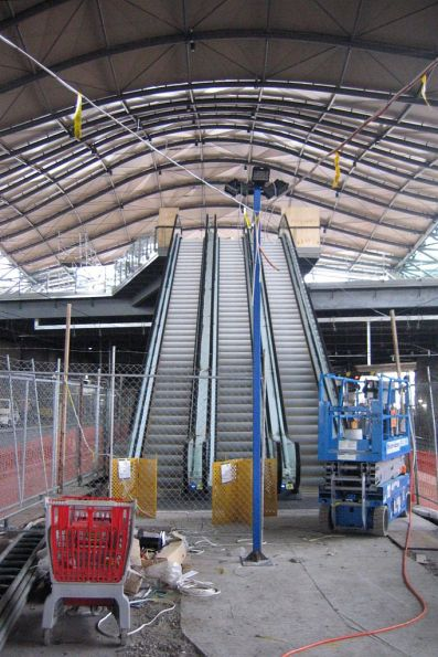 Spencer Street Station, new escalators to platforms 9/10 from Collins Street concourse