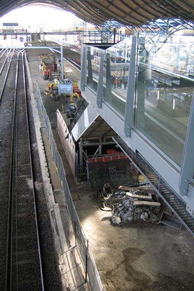 New escalators in place at platform 9/10, demolition of the platform shelter underway