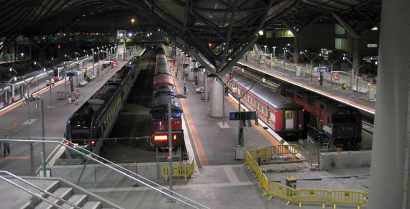 Overview of the station from the Collins Street concourse