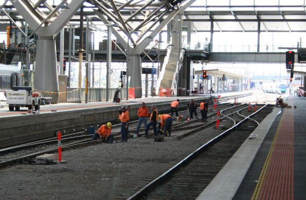 Extra set of points being installed between platforms 6 and 7 at Southern Cross