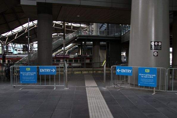 The only other entrance to the country platforms, the middle of 1 and 2