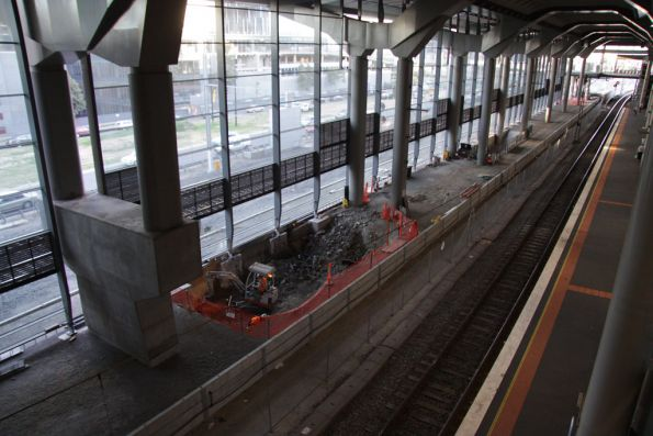 Work on completing platform 15/16
