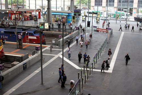 Long way around to exit the country platforms at Southern Cross (note the tactile paving that keeps on being moved)